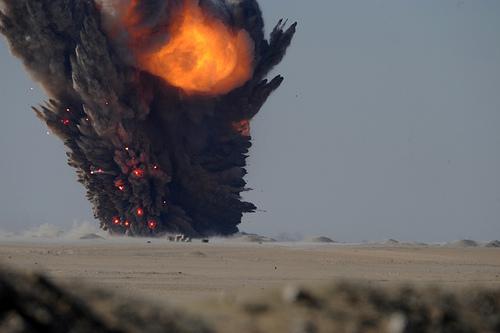 acción explosiva