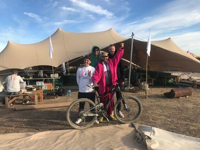 desafío deportivo por una buena causa - Ride to Afrika Burn