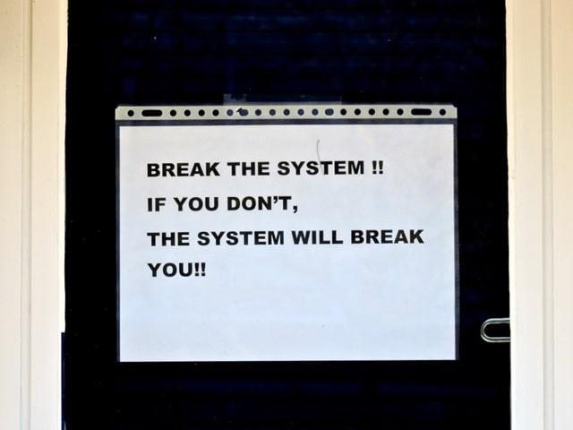 Cómo saltar por encima del sistema