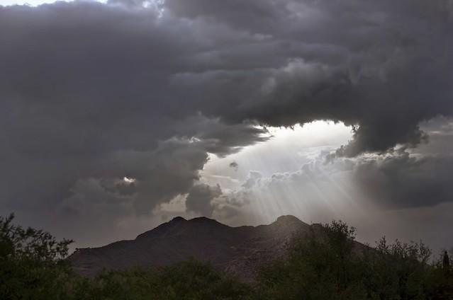 aguanta y atraviesa la tormenta de tu vida