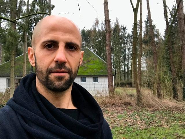 qué aprendes meditando y sirviendo en vipassana