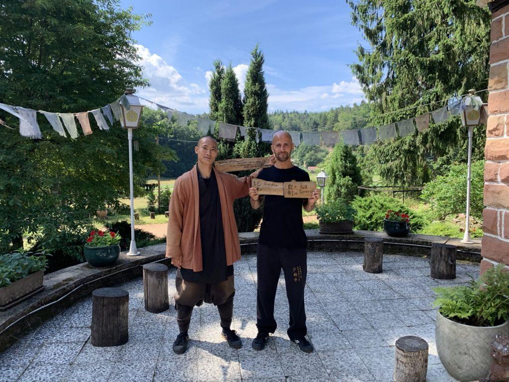 Maestro Shi Heng Yi e Isra García